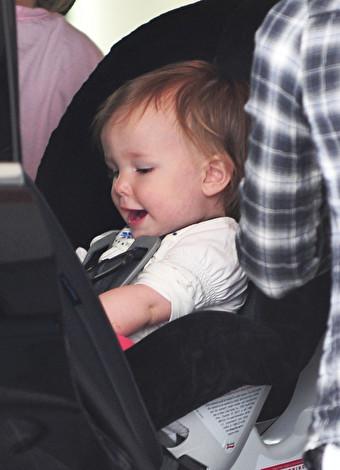 Bebekle otomobil yolculuğunu mesut geçirme tüyoları
